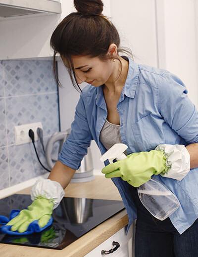ML63, čistilni servis in globinsko čiščenje sedežnih garnitur.